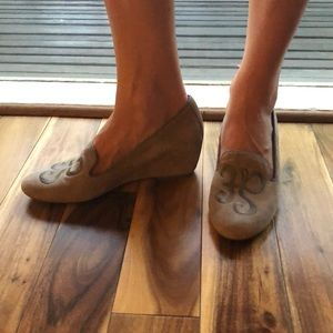 Hush puppies wedge shoes size 9